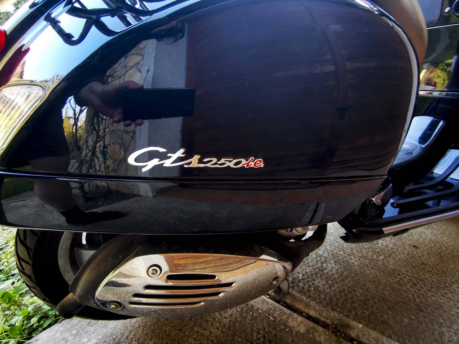 VESPA 250 GTS IE, 4. kép